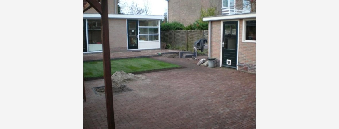 Klinkers bestraten in tuin